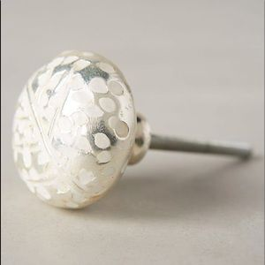 NWT Anthropologie SIX Feather Imprint Knobs